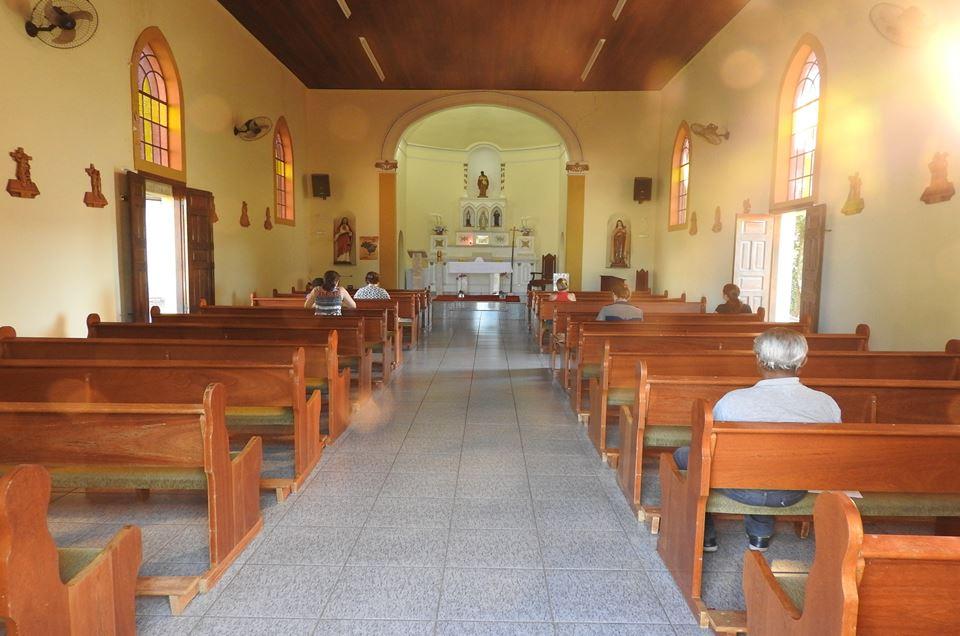 Adoração ao Santíssimo Sacramento na Capela São Benedito