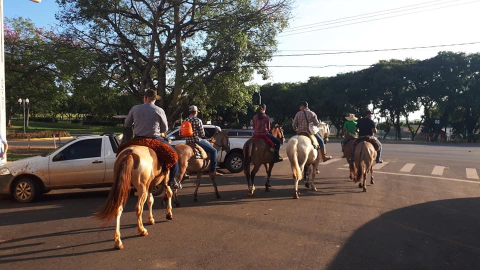 Bênção de Envio dos Tropeiros da Igrejinha de Arapoti saindo para Lavrinha