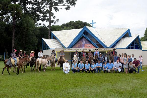 Peregrinos a cavalo e bike fazem a 1.ª Expedição da Rota do Rosário