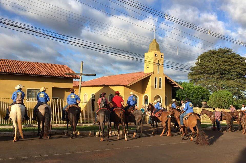 Tropeiros de Andirá continuam a Romaria indo até o Bairro Coqueralzinho Barra do Jacaré