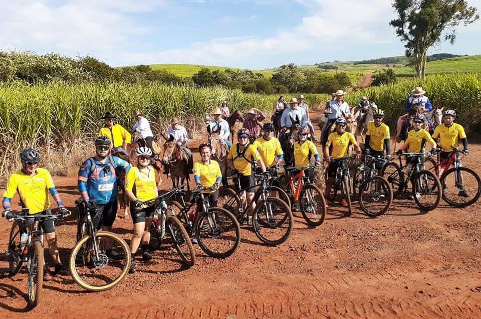 Ciclistas de Arapoti realizam V Etapa da Rota do Rosário